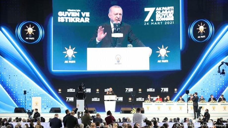 Ο Ερντογάν γαντζώνεται στην εξουσία