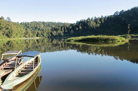 Perahu sampan Situ Gunung sukabumi
