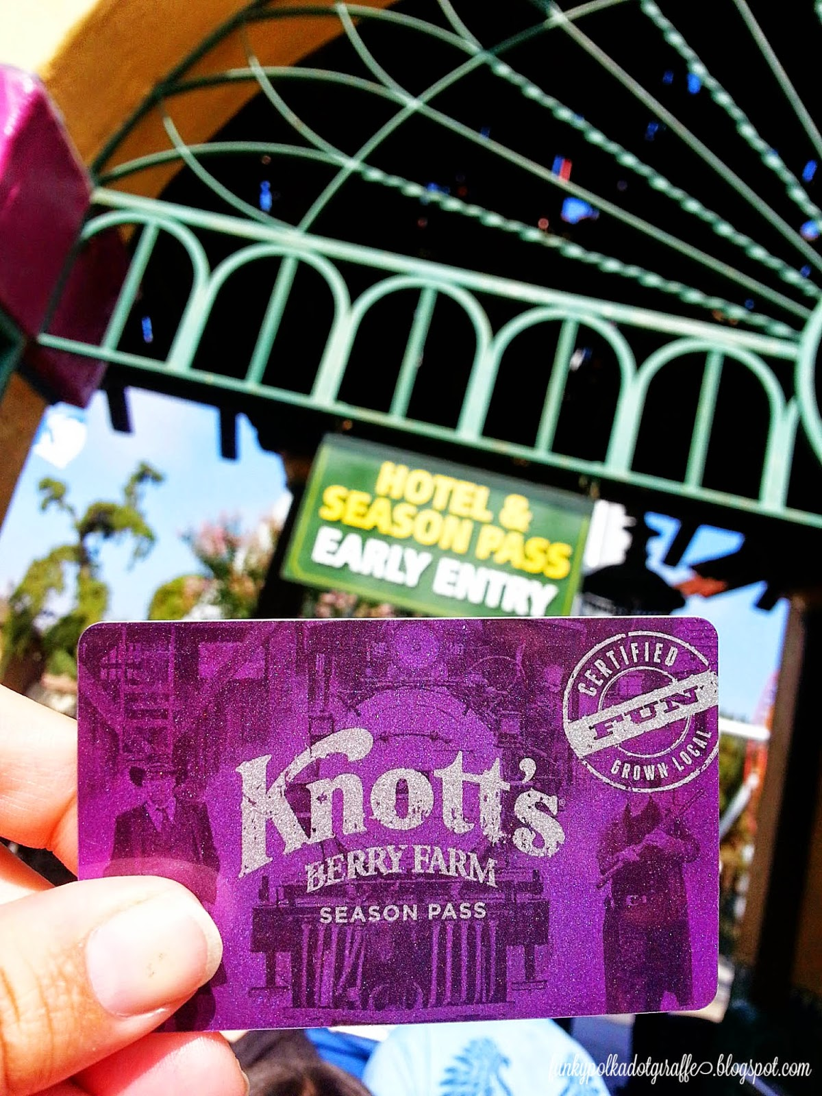 Knotts Berry farm Season Pass