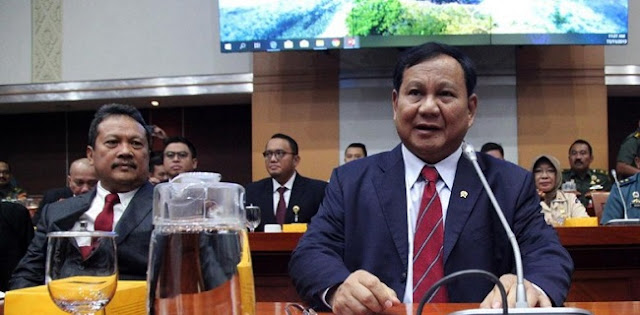 Hadiri Rapat Kerja Komisi I DPR, Prabowo Dapat Tepuk Tangan Meriah