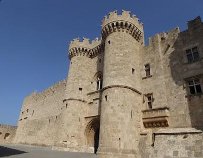 L'entrata del Palazzo dei Cavalieri di Rodi