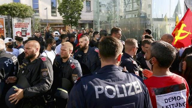 Az osztrák kancellár bekérette a török nagykövetet a bécsi zavargások miatt