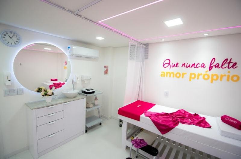 Mesmo com a pandemia, o casal Fernando e Fátima Major, juntos há mais de 23 anos e moradores do bairro há mais 15, estão prestes a abrir uma franquia da AD Clinic, uma das maiores rede de estética do Brasil, que planeja em 2021 ter mais de 200 clínicas pelo país