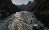 http://hijack.blogspot.no/2015/08/trollfjorden-in-raftesundet-lofoten.html
