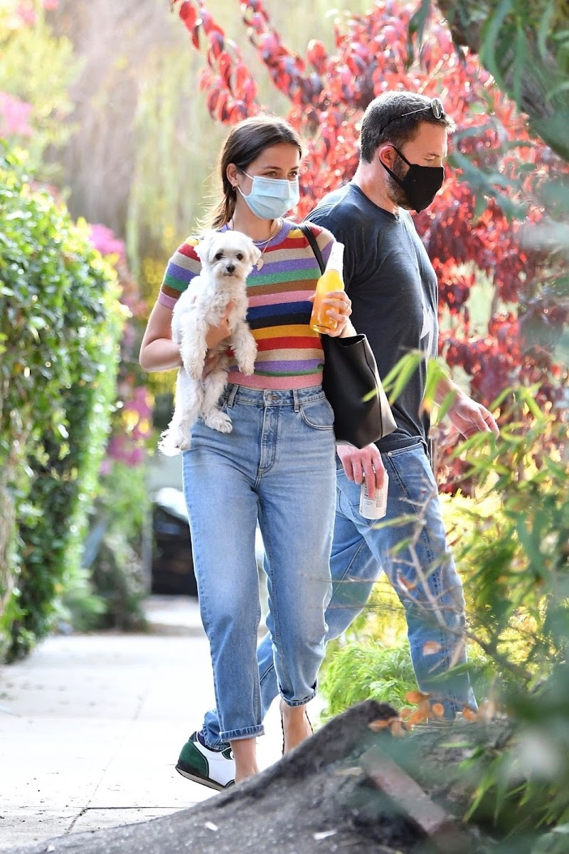 Ana de Armas and Ben Affleck Clicked Outside with Their Dog in Los Angeles 19 Aug -2020