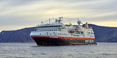 Norwegian's Hurtigruten  Cruise Ship Spitsbergen Denied Access to Murmansk  - Arctic Circle
