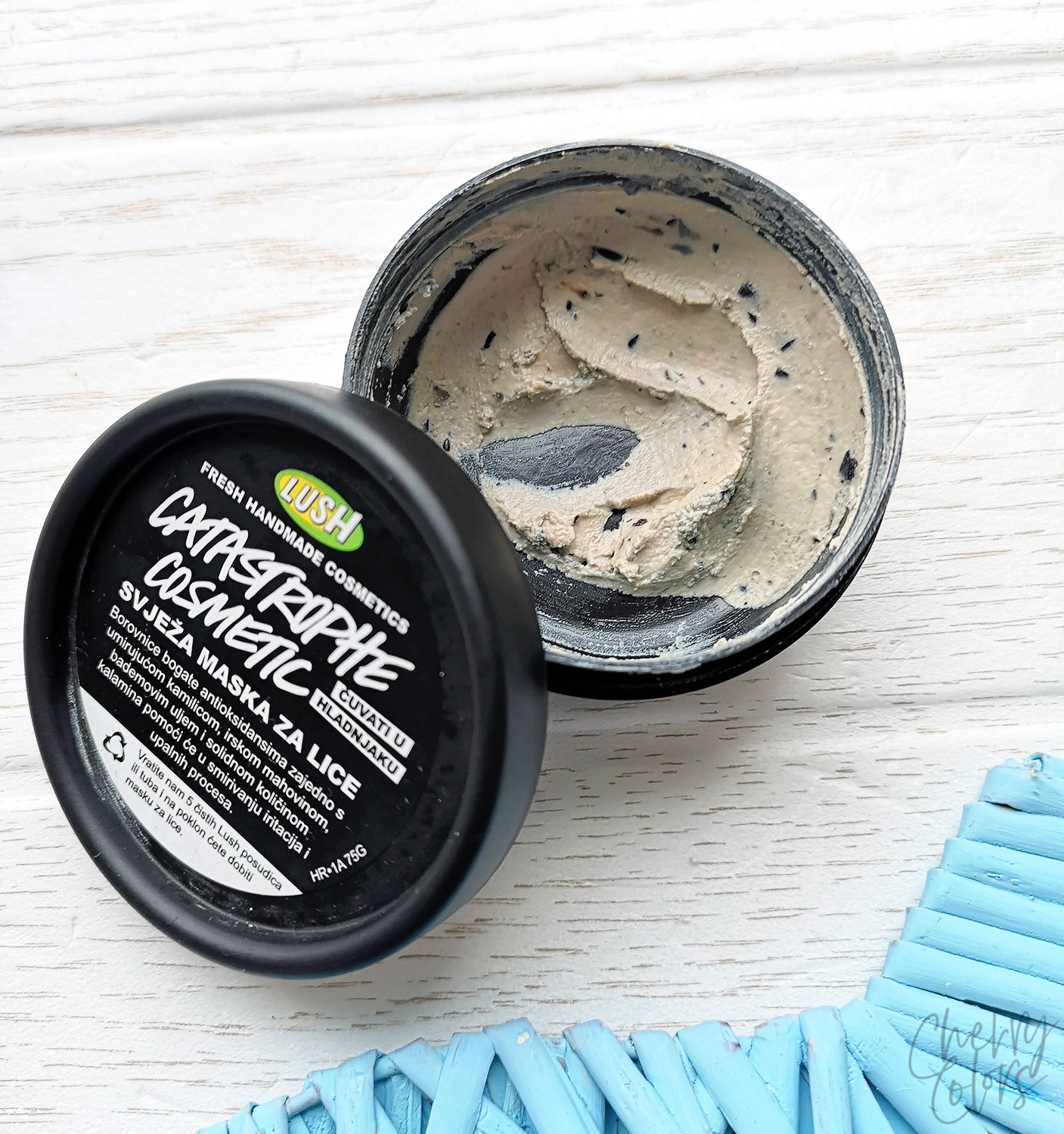 LUSH Catastrophe Cosmetics Fresh Mask