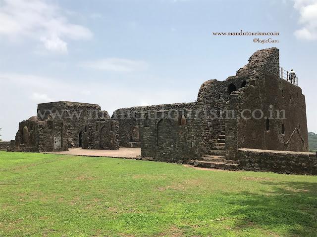 Information about Chishti Khan palace