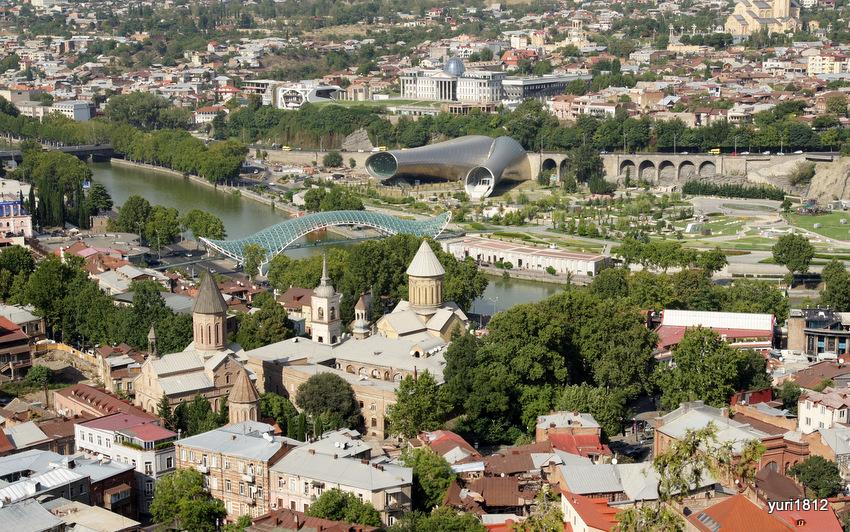 Тбилиси. Вид на город от крепости Нарикала