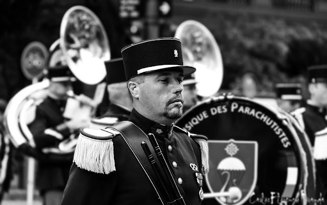 Retrato en Blanco y Negro de integrante banda Militar Francesa