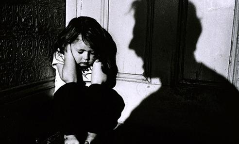 Lạm dụng tình dục trẻ em và những dấu hiệu nhận biết