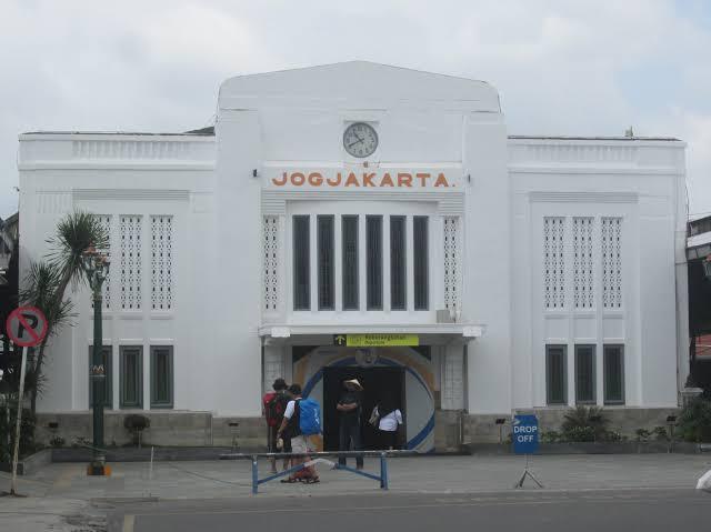 stasiun dekat malioboro