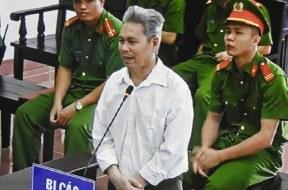 """Xét xử sơ thẩm đối với """"thầy giáo"""" Đào Quang Thực!"""