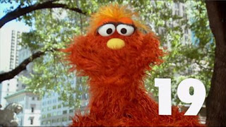 Murray presents the number of the day: number 19. Sesame Street Episode 4413 Big Bird's Nest Sale season 44