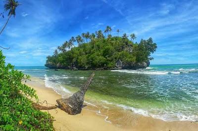 pantai seurudong wisata di sawang