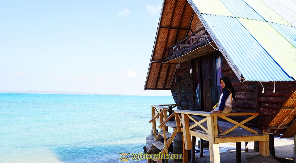 penginapan atau cottage di pantai sembilan pulau gili genting madura