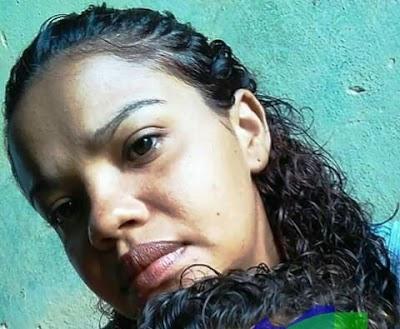Jovem mãe é assassinada a tiros quando amamentava o filho
