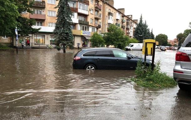 Захід України знову затоплюють дощі
