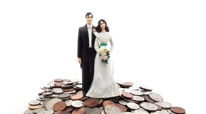 Hence a great consideration for the cost of the marriage ceremony itself. Day in- day out, many couple who are planning to get married are scared of the costs vis-a-vis the outcome of their ''dream wedding
