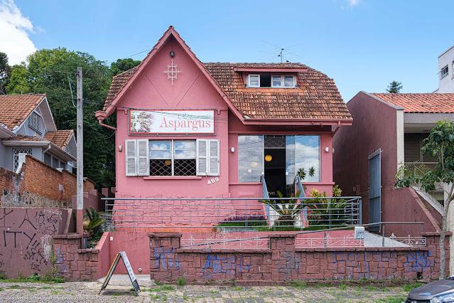 Casa na Rua David Carneiro, atualmente ocupada por um restaurante
