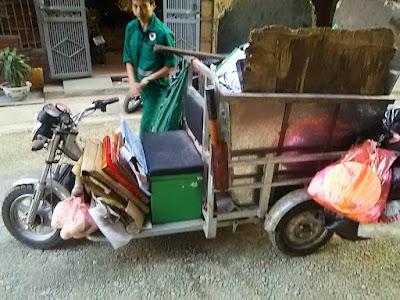 ハノイ清掃局のゴミ回収三輪車