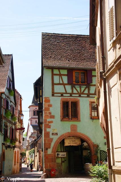 Tipiche maison a colombage della città