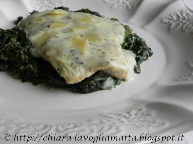 petto di pollo con salsa allo scalogno e spinaci