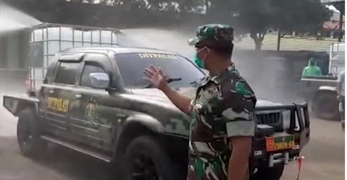 TNI AD Siapkan Kendaraan Penyemprotan Disinfektan Covid- 19