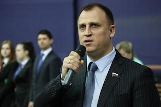 Поднять оклады в России Сергей Вострецов
