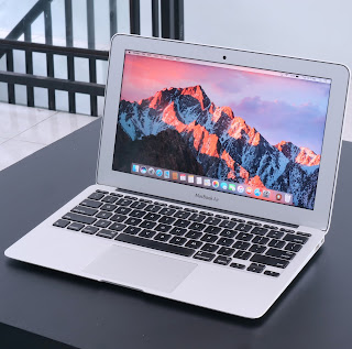 MacBook Air Core i5 (11-Inch, Early 2014) Bekas Di Malang