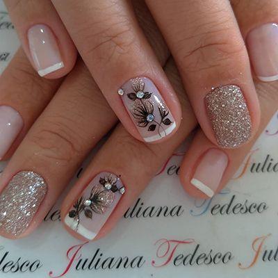 unhas decoradas delicadas com glitter