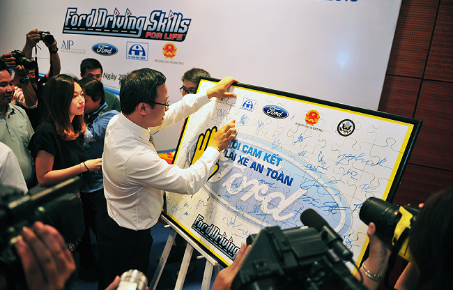 Ford kicks off 9th annual DSFL event in Vietnam