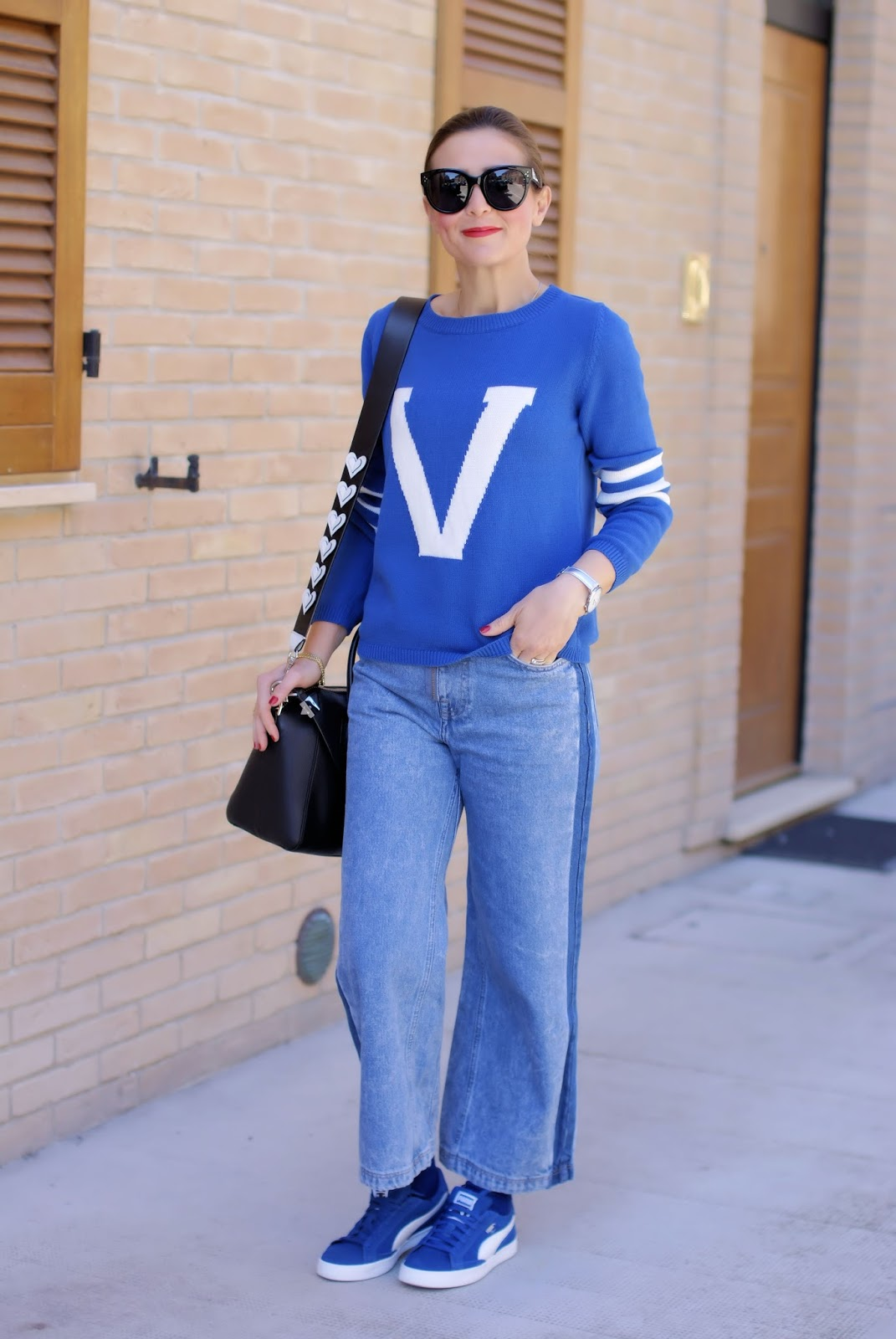 Maglia con V on Fashion and Cookies fashion blog, fashion blogger style