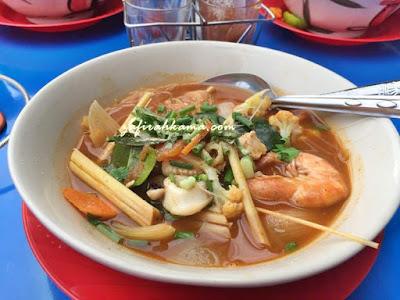 danok, thailand, cara untuk ke thailand, backpackers, bukit kayu hitam, apa yang menarik di thailand, daging bakar danok, resepi daging bakar, tomyam siam, sup siam, makan sedap di siam, makanan halal, cara untuk masuk ke danok, padang besar, sempadan malaysia thailand, siam,