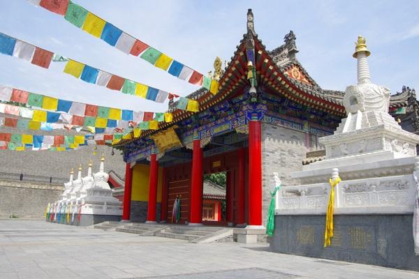 วัดกว่างเหริน (Guangren Temple: 广仁寺) @ canghai76 Shutterstock