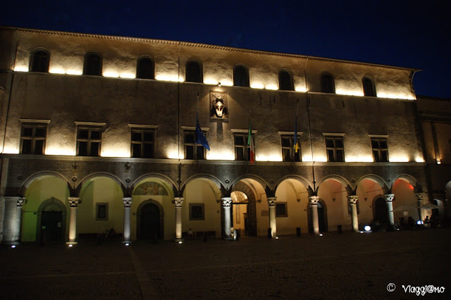 Facciata del Palazzo dei Priori di Viterbo