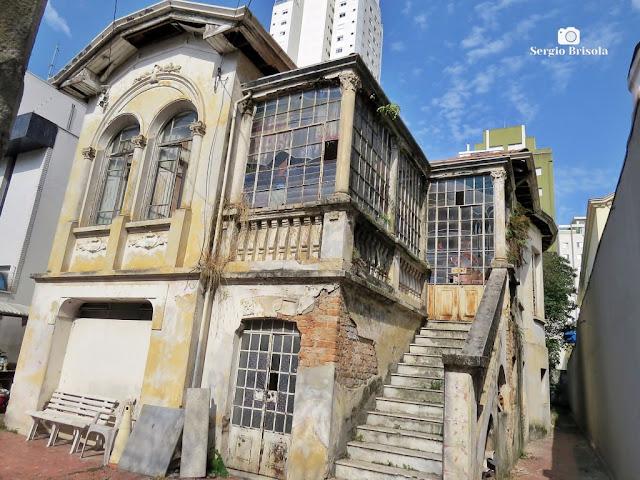 Vista ampla de um Casarão antigo na Rua Dona Inácia Uchoa 114 - Vila Mariana - São Paulo