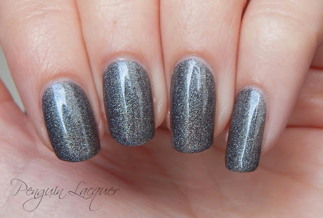 kiko holographic nail lacquer 006 graphite daylight nah