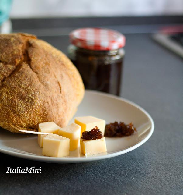 Marmolada z cebuli z serem