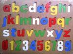 Mainan Edukatif Kayu Puzzle Huruf Kecil dan Angka