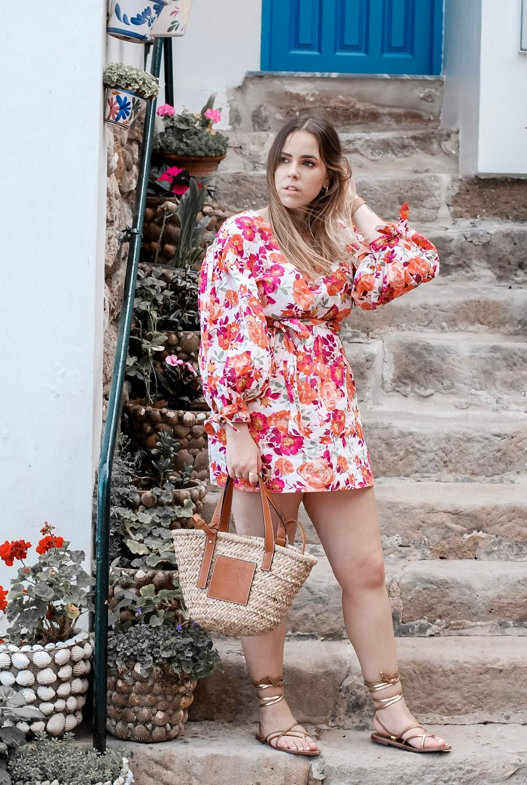 Outfit vestido de flores