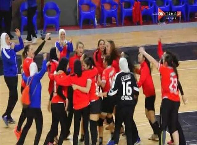 بنات الأهلي أبطال كأس مصر لكرة اليد بعد الفوز على الزمالك 27-20
