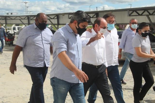 Prefeito de Crateús conhece bacia leiteira e estuda implantar indústria no município