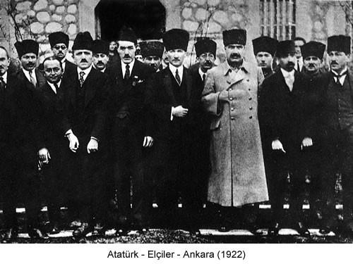 Atatürk Elçiler 1922 Fotoğraf