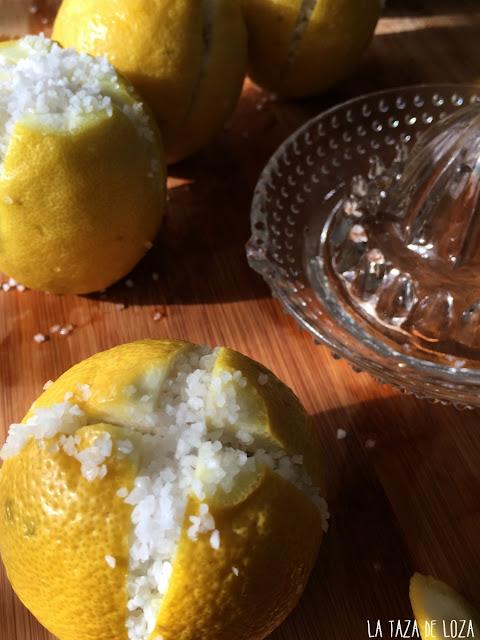 limones-estilo-de-Marruecos-con-sal-fermentados