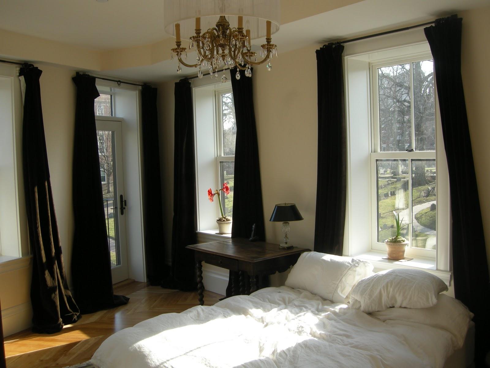 Redbrickbuilding: Master Bedroom Curtains