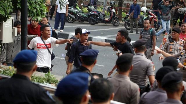 Ini Alasan Polisi Tak Tangkap Massa Pro Revisi UU KPK yang Berlaku Anarkis