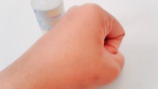 Tekstur Azalea Brightening Face Serum Gambar Setelah Dioles Serum