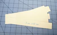 Tiras de cartulina que harán de separadores entre las hojas del libro de firmas