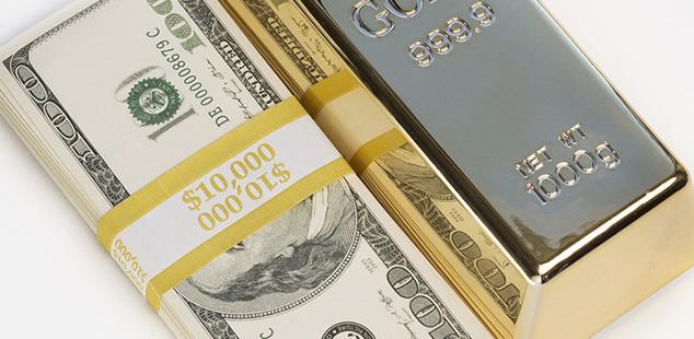 El oro cae por fortaleza del dólar
